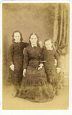 Mum & Children, St ALbans - CDV by Cooper