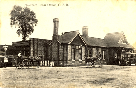 waltham-cross-station-ger