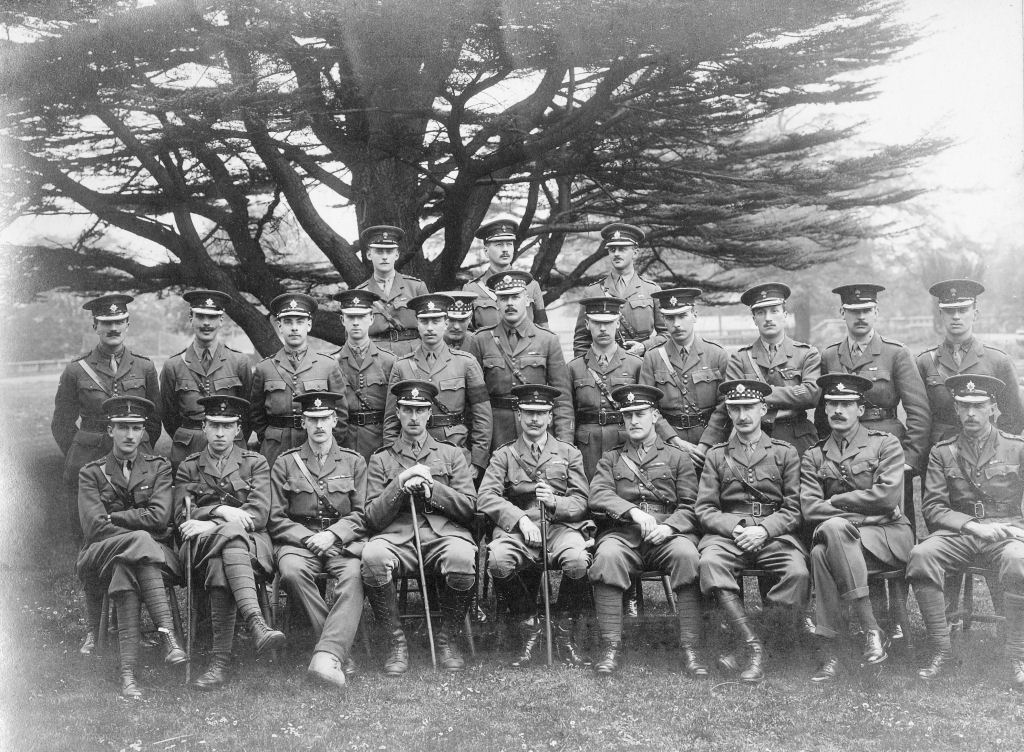 WW1 Officer Group photographed at or near Watford by Coles